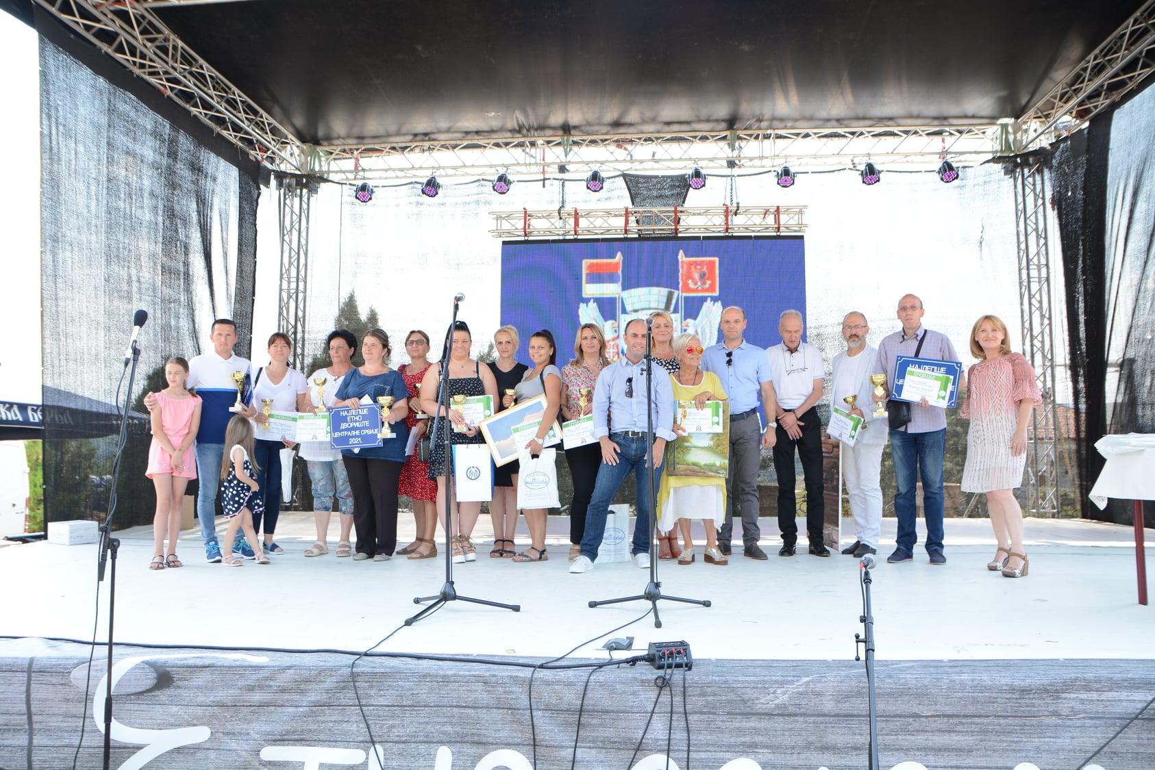 Два дворишта из општине Кнић међу победницима на сајму у Тополи