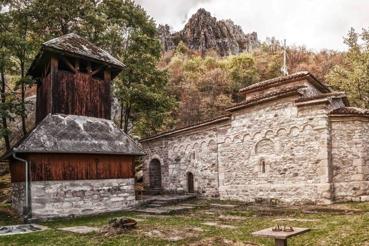 crkva-u-borcu (1)